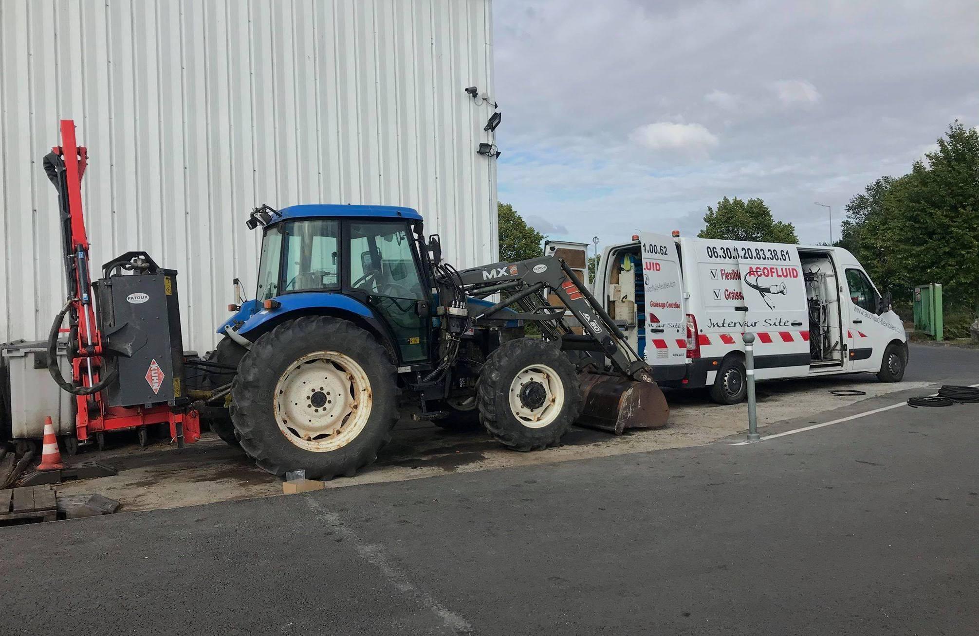 acofluid intervention tracteur
